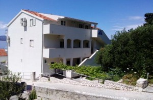 /b_images/thumb_1405435_stanici_apartments_omis_private_accommodation_croatia_1.jpg