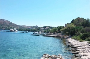 /b_images/thumb_1677916__luka_apartments_lastovo_private_accommodation_croatia_1.jpg