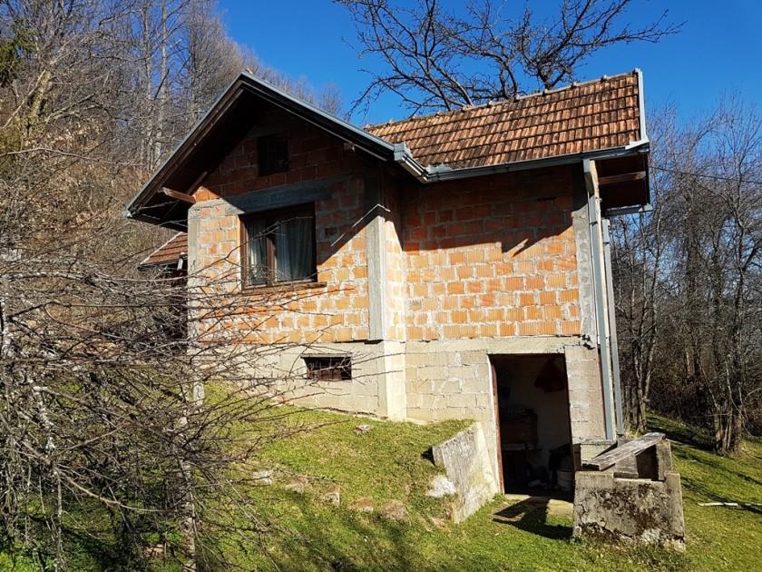 Prodajem kuću, zemlju, šumu Šimići, Banja Luka