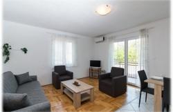 thumb_1192181_kastel_kambelovac_apartments_3.jpg