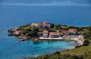 thumb_1520715_e_brgujac_apartments_vis_private_accommodation_croatia_1.jpg