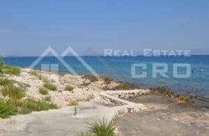 thumb_1730848_-lokaciji-u-prvom-redu-do-mora-na-prodaju--otok-brac--3-.jpg