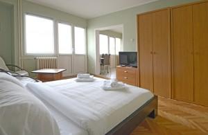thumb_1762226_bedroom2.jpg