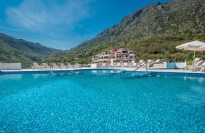 thumb_2118103_lavender_bay_montenegro-18.jpg
