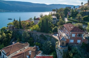 thumb_2244101_castle-house-with-sea-view-for-sale-in-montenegro--1-.jpg