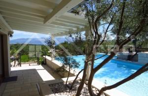 thumb_2274147_49_luxury_villa_with_lake_for_sale_sutivan_brac_island_1.jpg