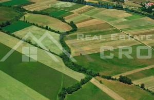 thumb_2291481_-poljoprivredno-obradivo-zemljiste-u-sinjskom-polju---1-.png
