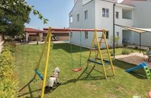 thumb_2417932_ika-villa-168m2-bazen-rostilj-5-parkinga-slika-138218540.jpg